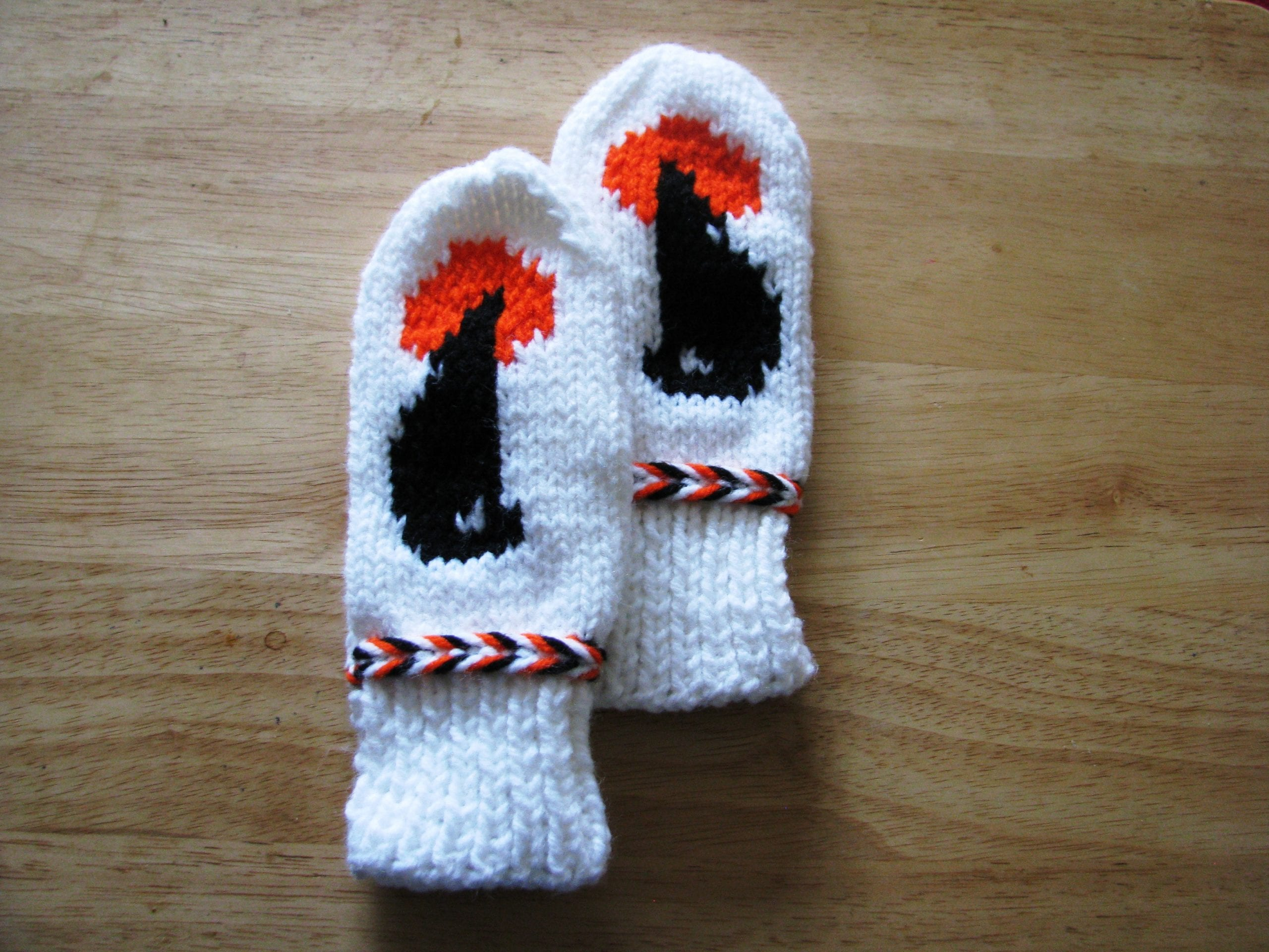 Outerwear, mittens, Lynn Wilson, the lazy gardener, wick-it, candles, plants, herbs, IndigenARTSY, Indigenous Artists, Indigenous Arts Marketplace, Indigenous Arts Collective of Canada, Pass The Feather, First Nations, Indigenous Art, Aboriginal Art, Indigenous Art Directory
