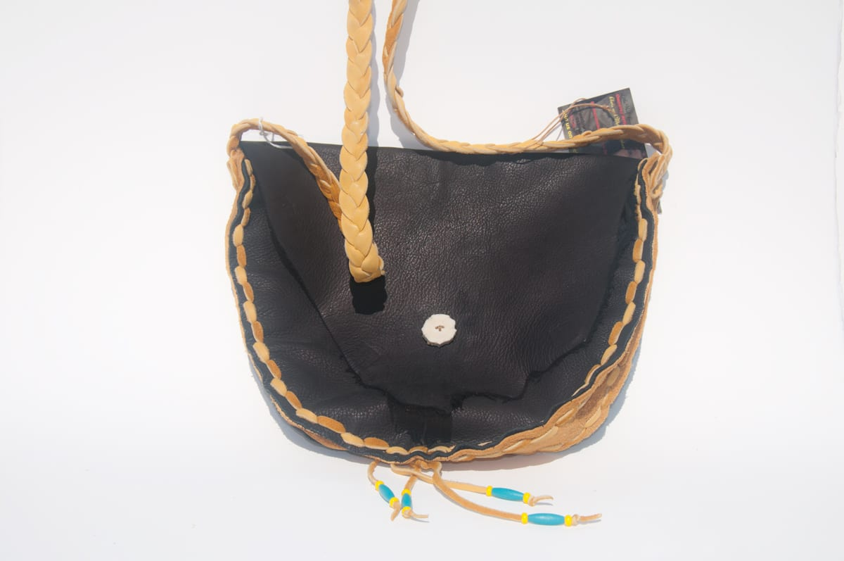 purse, leather, IndigenARTSY, Indigenous Artists, Indigenous Arts Marketplace, Indigenous Arts Collective of Canada, Pass The Feather, First Nations, Indigenous Art, Aboriginal Art, Indigenous Art Directory